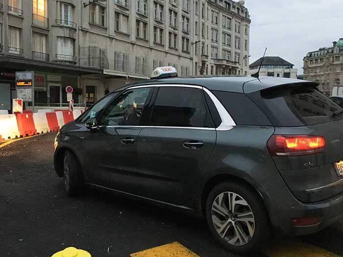 リヨン・ラ・フォレからルーアンまでのタクシー