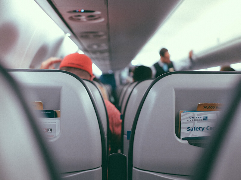 海外旅行中の機内