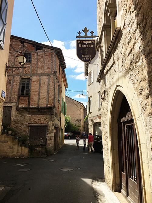 フランス南西部の村 Saint-Antonin-Noble-Val