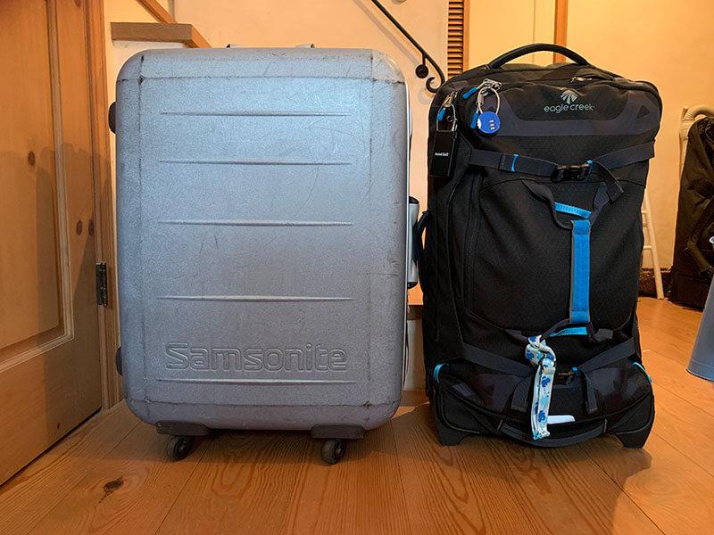 スーツケース(81㍑)とソフトキャリーケース(76㍑)