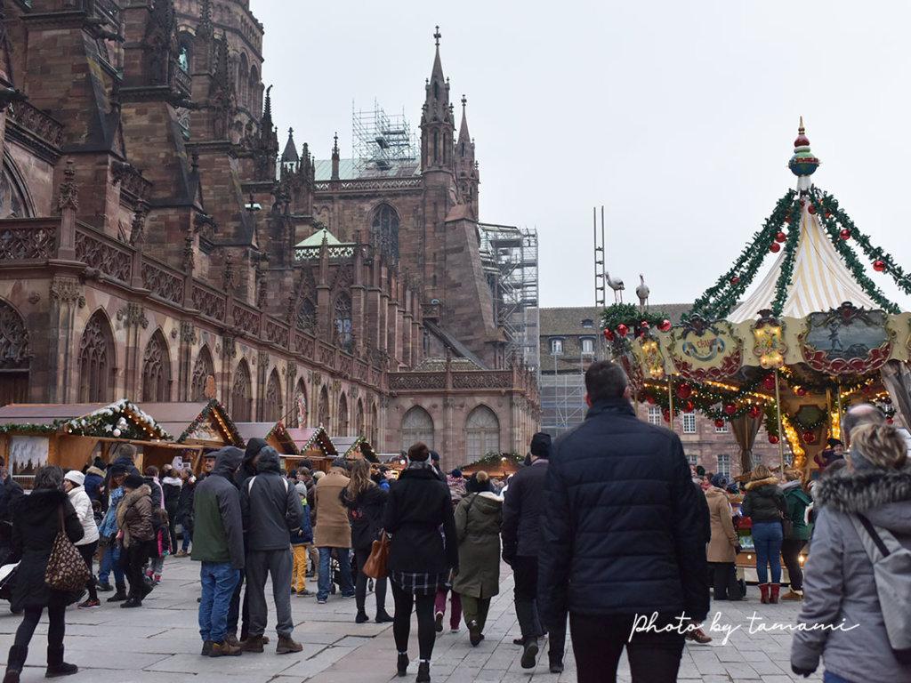 ストラスブール大聖堂前のクリスマスマーケット