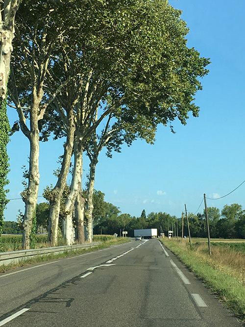 フランス南西部をレンタカーで行く
