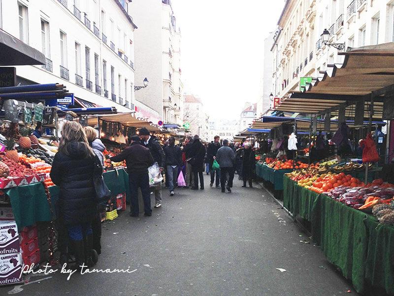 パリ・アリーグル広場