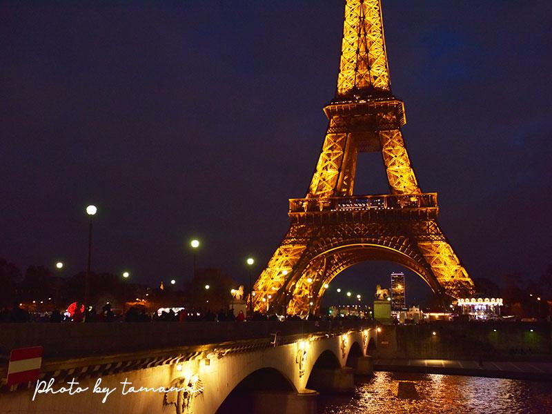 イエナ橋から眺めるエッフェル塔