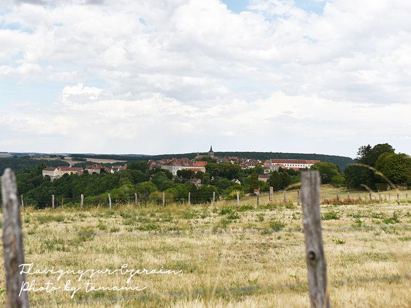 Flavigny-sur-Ozerainの全景