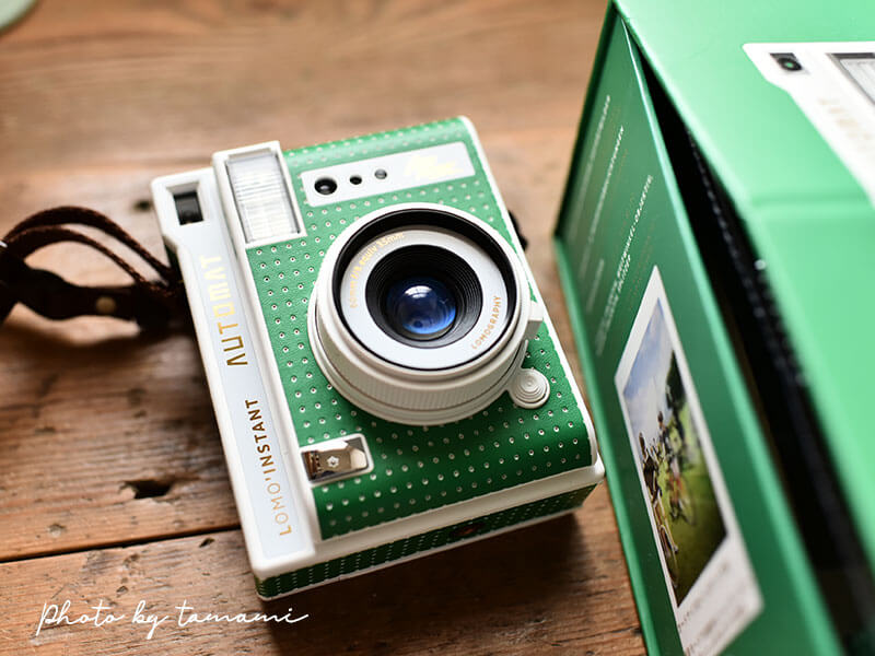 ロモグラフィーのインスタントカメラ