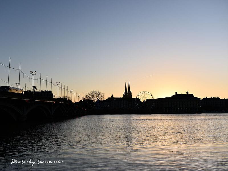橋から眺めるバイヨンヌの街