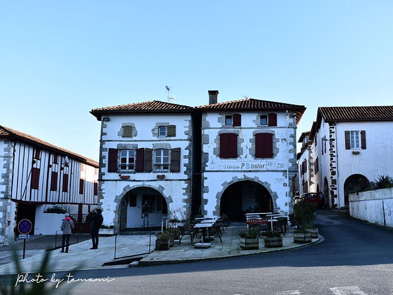 フランスバスク地方の美しい村 ラ・バスティッド=クレーランス