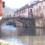 フランスバスク地方の美しい村 サン=ジャン=ピエ=ド=ポー