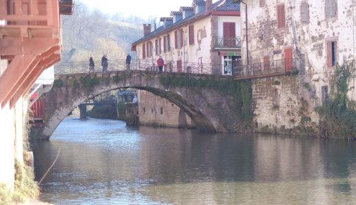 レンタカーでフランスバスク地方の美しい村巡り!情緒的な風景が美しく朝市が楽しいサンジャンピエドポー(Saint-Jean-Pied-de-Port)へ