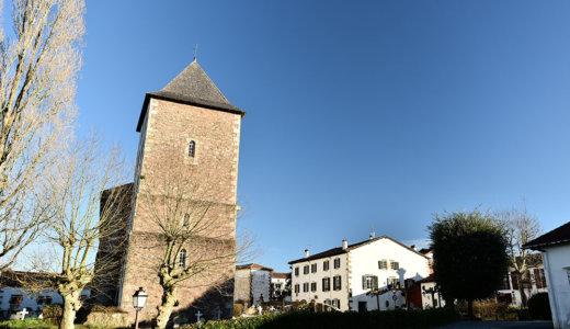 レンタカーでフランスバスク地方の美しい村巡り!【サール(Sare)】はシンボルでもある塔の教会内部が美しくて必見!*サンジャンドリュズからバスもあり