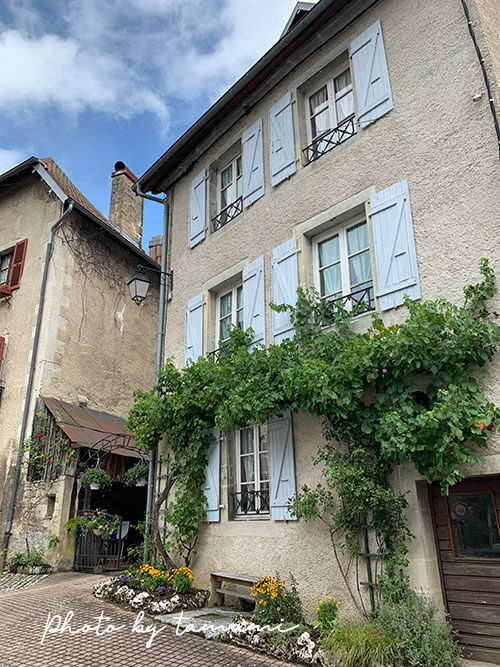 ブルゴーニュ地方にあるフランスの美しい村【Lods】