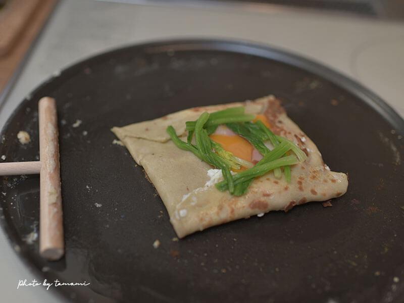 ストウブのクレープパンを使ってガレットを焼いてみた!
